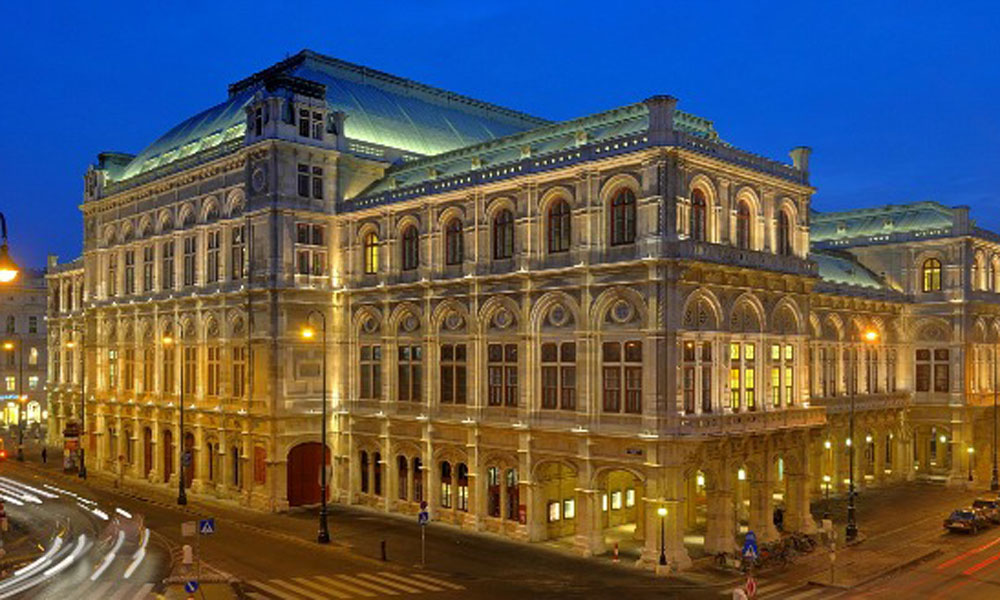 Vienna State Opera House at night 1000 x 600